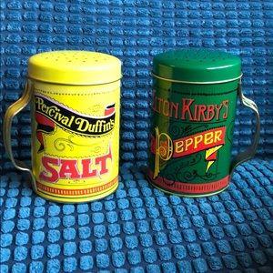 Nostalgic salt & pepper shakers